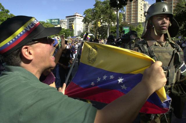 Skupina vojáků vyzvala k rebelii proti venezuelské vládě.