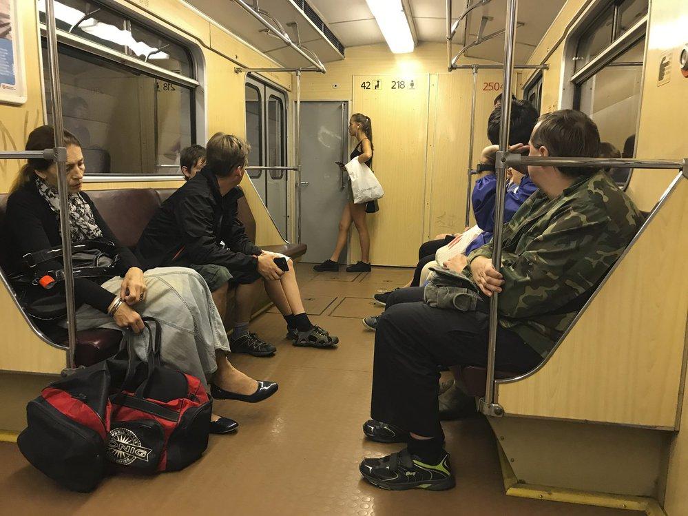 Prahou bude jezdit o víkendu historická souprava metra.