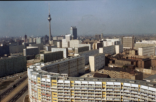 Nejznámější symbol studené války rozdělil v roce 1961 německou metropoli na dvě části. Jak se žilo v té východní jen o deset let později?