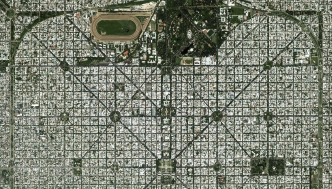Symetrie ze satelitních snímků
