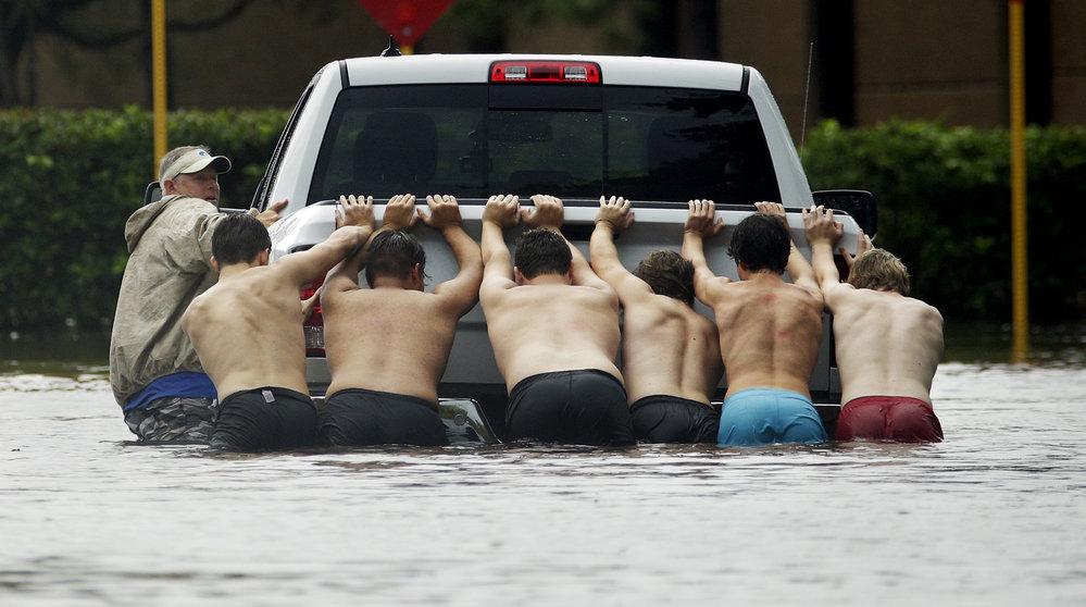 Hurikán Harvey s sebou přinesl hrozivé povodně