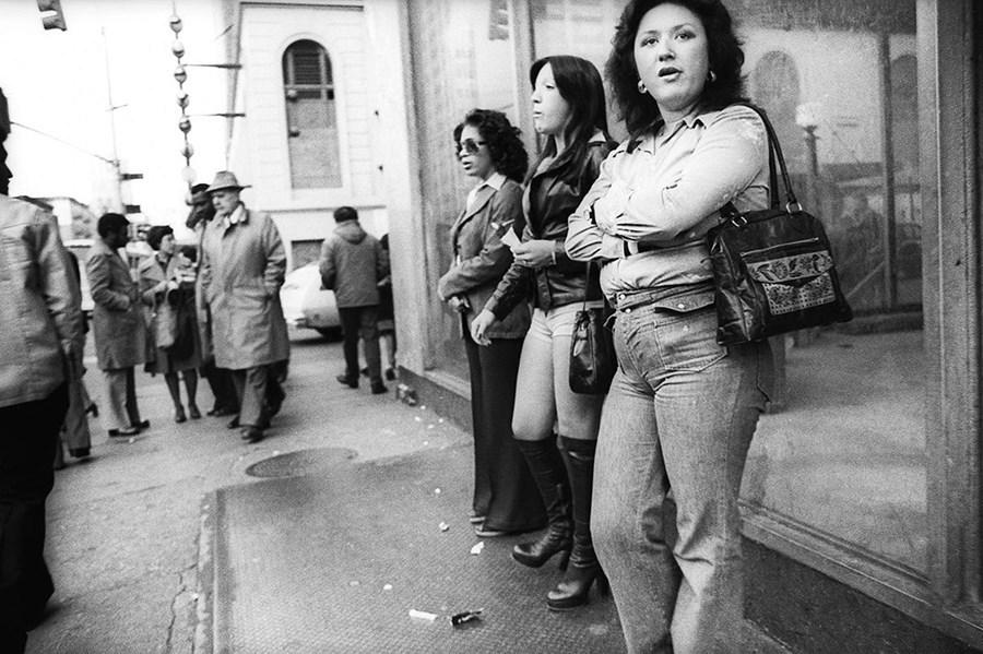 Před třiceti lety se na Times Square odvážili jen ti nejotrlejší. Každoročně zde docházelo ke zhruba 2500 zločinů a místo turistů tu vládly prostitutky.
