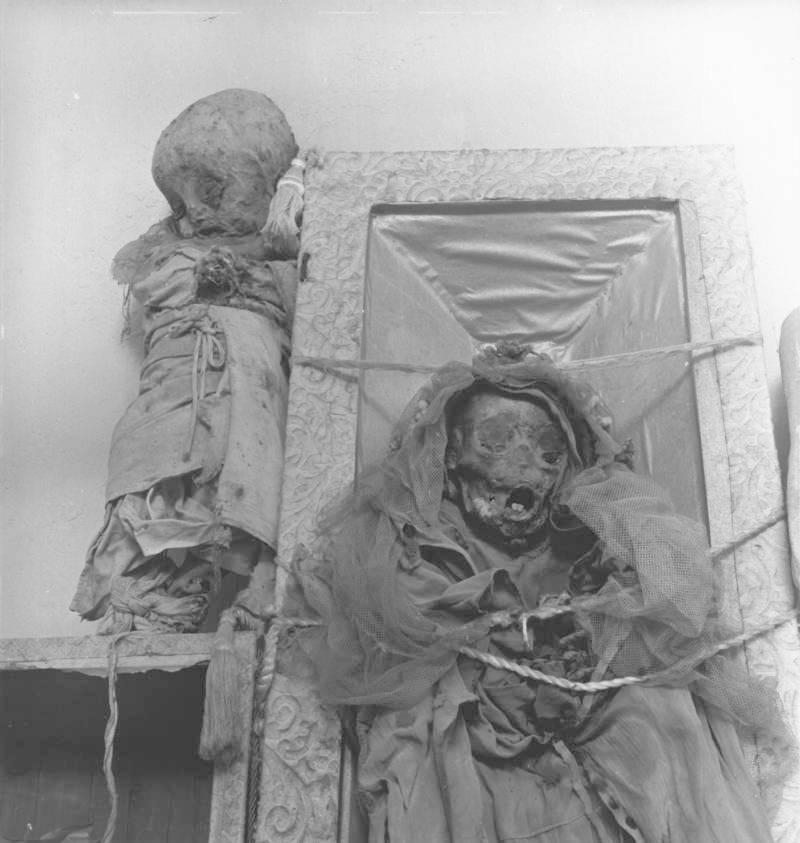 Hororové mumie začaly brzy přitahovat lidi z širokého okolí a na přelomu 19. a 20. století se z nich již stala regulérní turistická atrakce.
