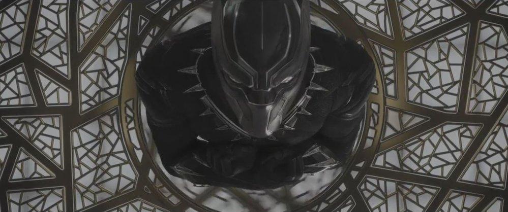 Black Panther. Černý supehrdina a zástup afroamerických talentů v čele Chadwickem Bosemanem aneb nejčerstvější, už osmnáctý příspěvek marvelovské stáje.