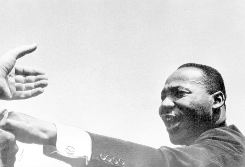 Nově zveřejněné dokumenty FBI vrhají negativní světlo na černošského duchovního a aktivistu Martina Luthera Kinga, pro žádné tvrzení, které obsahují ale neexistují důkazy