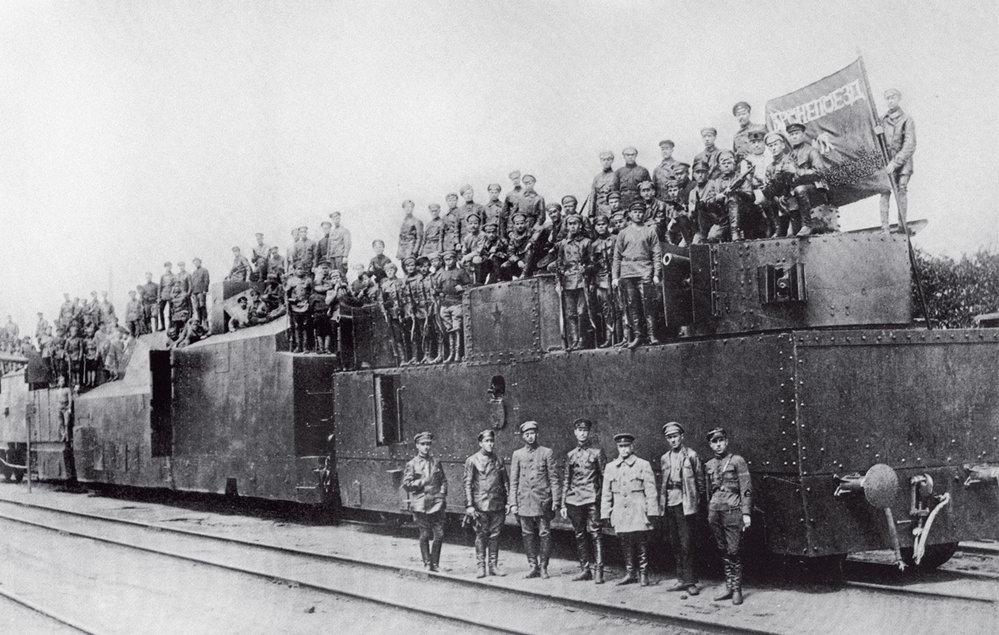 7. listopadu 1917 začala v Rusku Velká říjnová socialistická revoluce