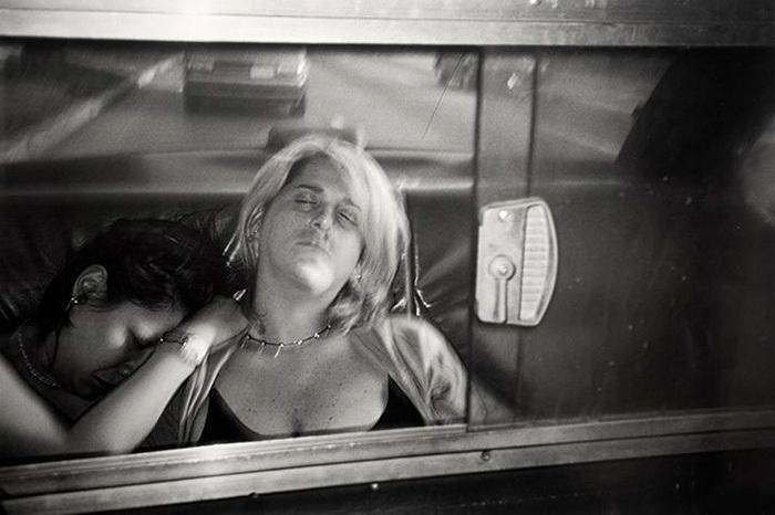 Jedinečný pohled do ulic New Yorku. Řidič taxi deset fotografoval své zákazníky