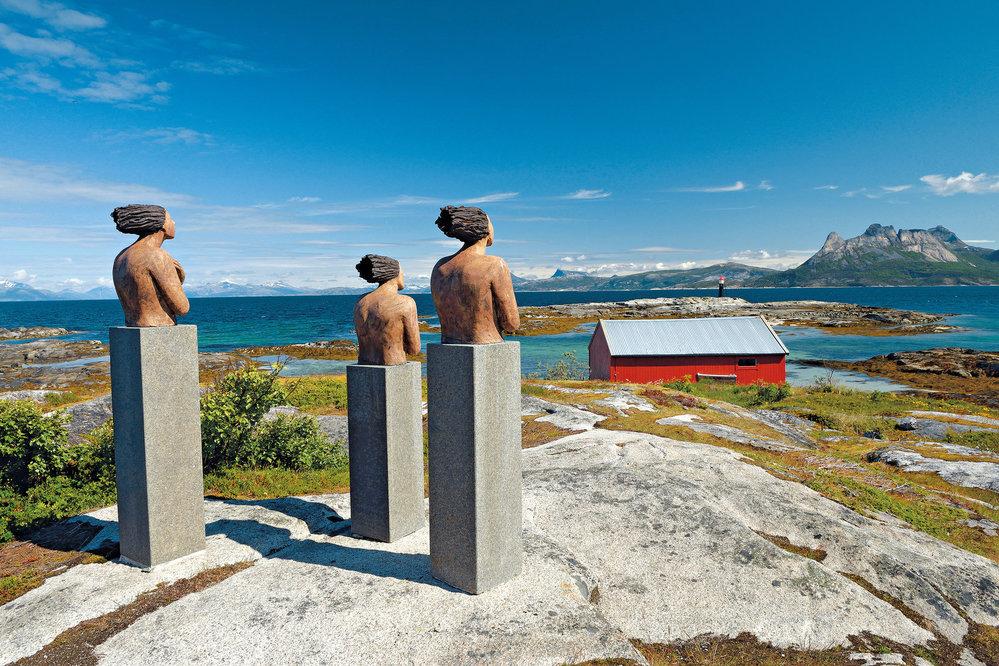 Jedno zuměleckých děl vTranøy skulpturparku, najehož zakoupení vybrali obyvatelé Tranøy peníze mezi sebou formou veřejné sbírky