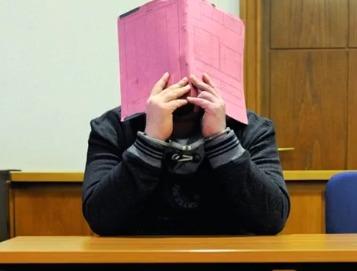 Niels Högel u soudu