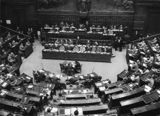 Dobová fotografie, březen 1957: Podpisem Římských smluv vznikl předchůdce dnešní EU.