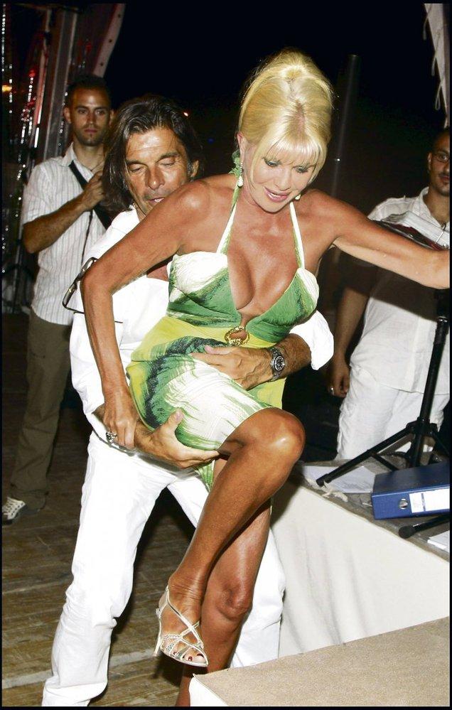 S Antoniem na večírku v jednom z francouzských klubů