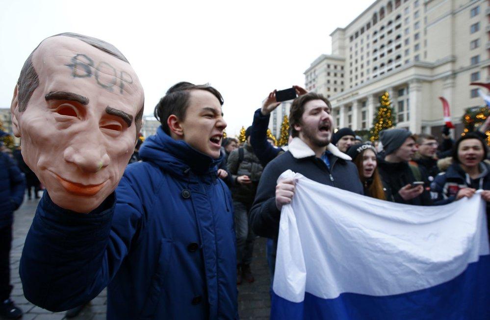 Příznivci opozičníka Navalného protestovali proti prezidentovi Putinovi ve velkých ruských městech.