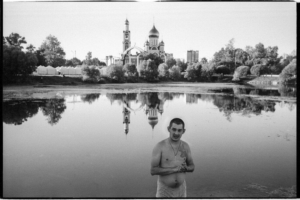 Ruský fotograf Barabakaa a jeho tmavé i drsné snímky odvrácené strany Ruska.