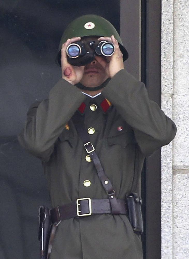 Na armádu věnuje režim obrovské prostředky, které pak chybějí jinde.
