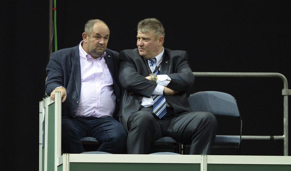 Bývalý šéf fotbalového svazu Miroslav Pelta s předsedou tenisového svazu Ivem Kaderkou