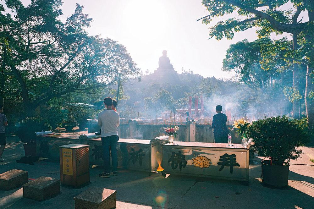 Hongkongský klášter  svýhledem naobřího Buddhu