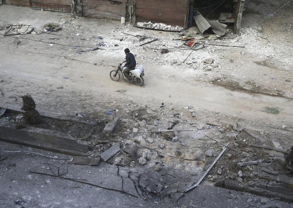 Situace ve východní Ghútě je kritická, OSN chce vydat rezoluci o klidu zbraní a z oblasti evakuovat civilisty.