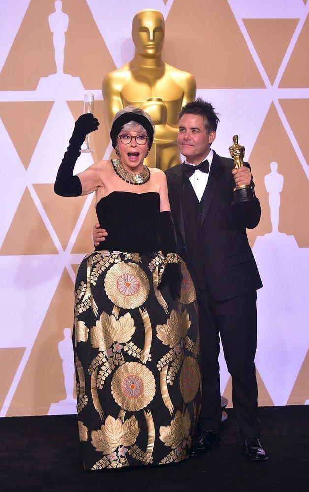 Rita Moreno a Sebastián Lelio za nejlepší cizojazyčný film.