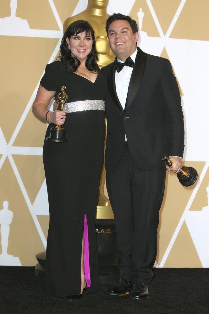Kristen Anderson-Lopez a Robert Lopez vyhráli Oscara za nejoriginálnější písničku.