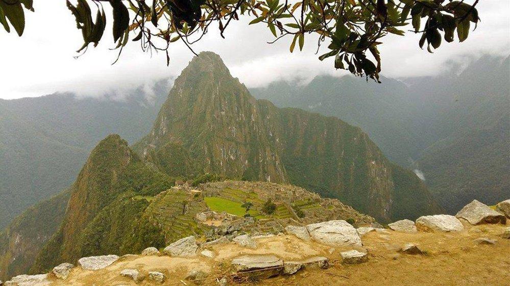 Machu Picchu bylo postaveno v klasickém inckém stylu za použití kvádrového zdiva  bez použití malty či jiného pojiva
