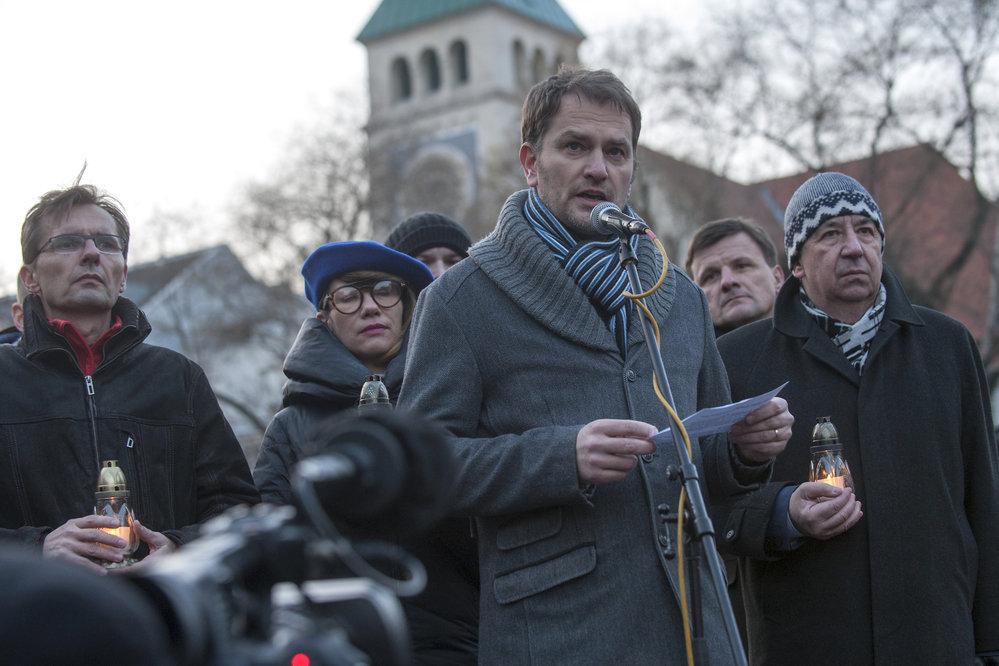 Poslanec za OĽaNO Igor Matovič v centru Bratislavy na vzpomínkové akci věnované zavražděnému novináři Jánu Kuciakovi a jeho rovněž zavražděné přítelkyni