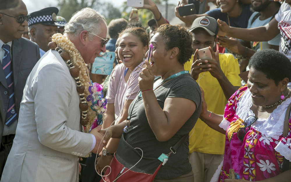 Princ Charles během návštěvy souostroví Vanuatu.