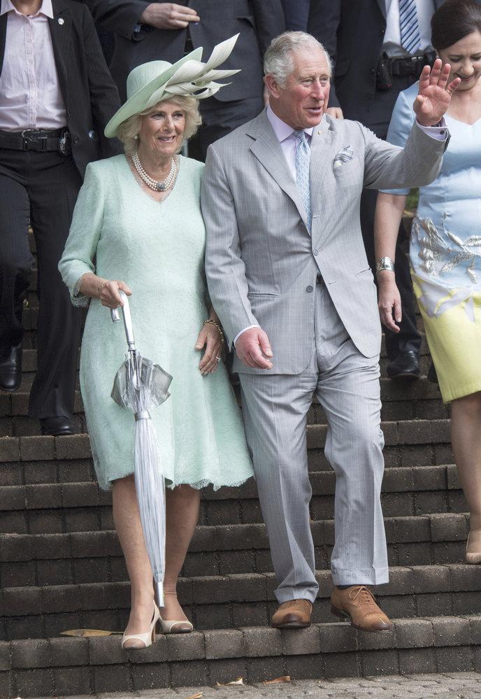 Princ Charles s manželkou Camillou v Austrálii.