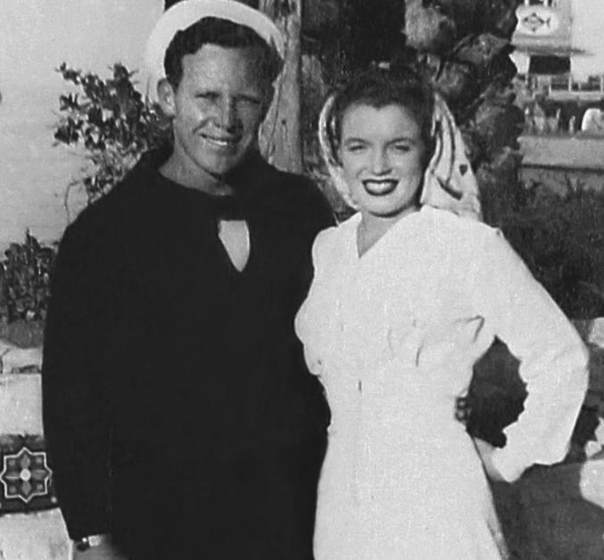 Marilyn Monroe na neznámých svatebních fotografiích