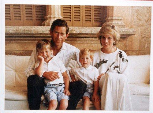 Charles s Dianou a dětmi