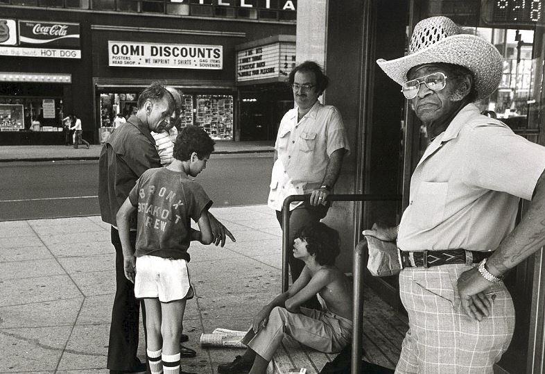 Nezletilým prostitutům se přezdívalo kuřata a jejich zákazníci si nechávali říkat jestřábi.
