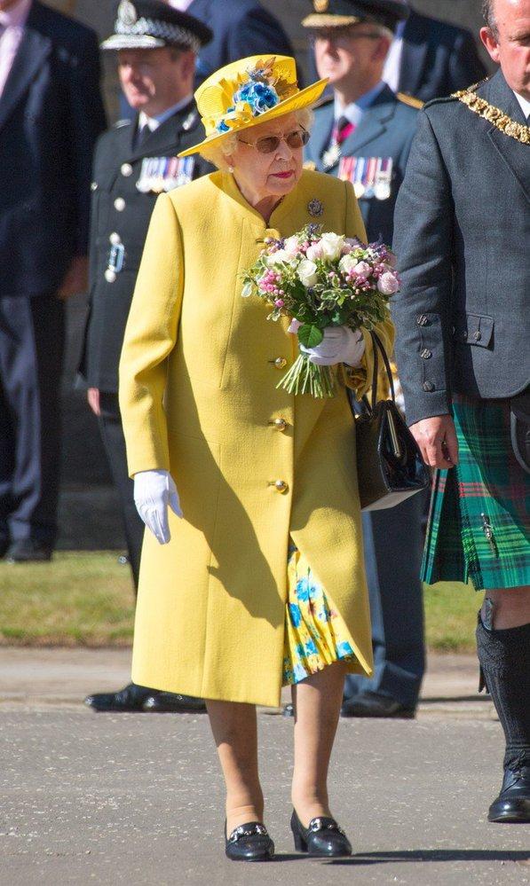 Královna Alžběta na návštěvě Skotska