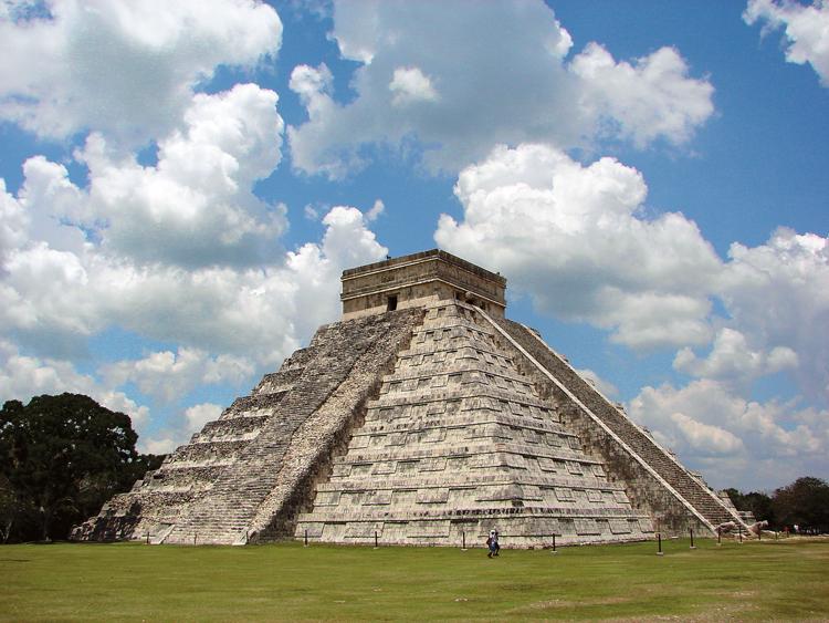 Pyramida Opeřeného hada