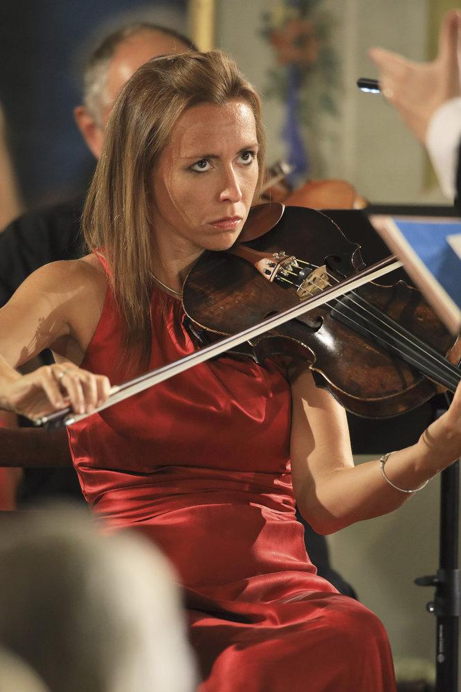 Za doprovodu Jihočeské filharmonie pod taktovkou Jana Kučery společně v Maškarním sále vystoupili jedni z nejnadějnějších houslistů nastupující generace, Miroslav Ambroš a Jaroslaw Nadrzycki.