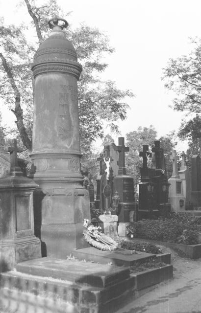 Vyšehradský hřbitov a místo odpočinku Václava Hanky