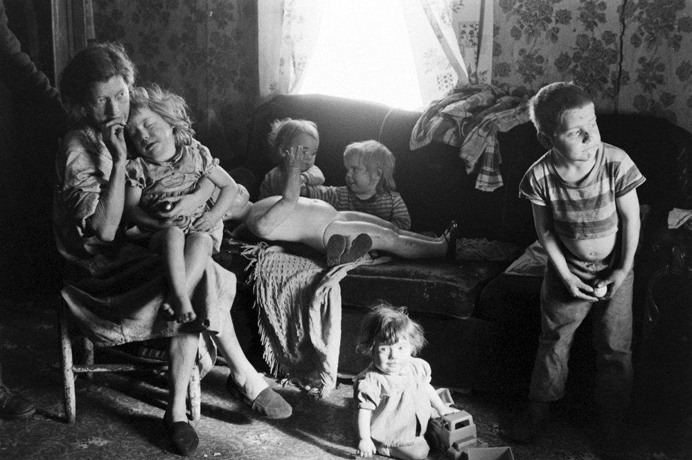 Často neměli ani základní vzdělání a bez možnosti sehnat práci už dávno ztratili naději na to, že se jejich situace někdy zlepší.