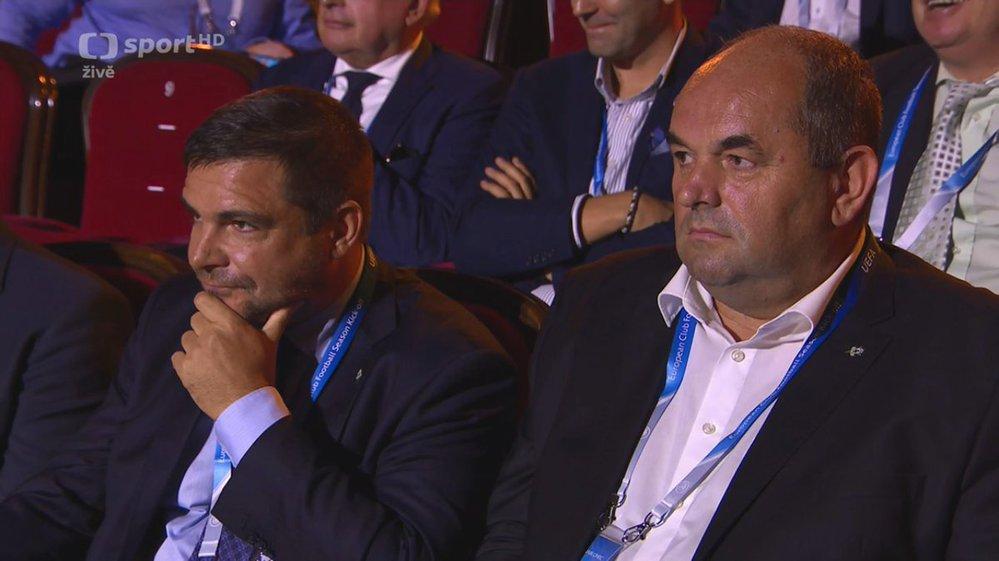 Šéf jabloneckého klubu Miroslav Pelta sledoval losování Evropské ligy po boku politika Karla Březiny