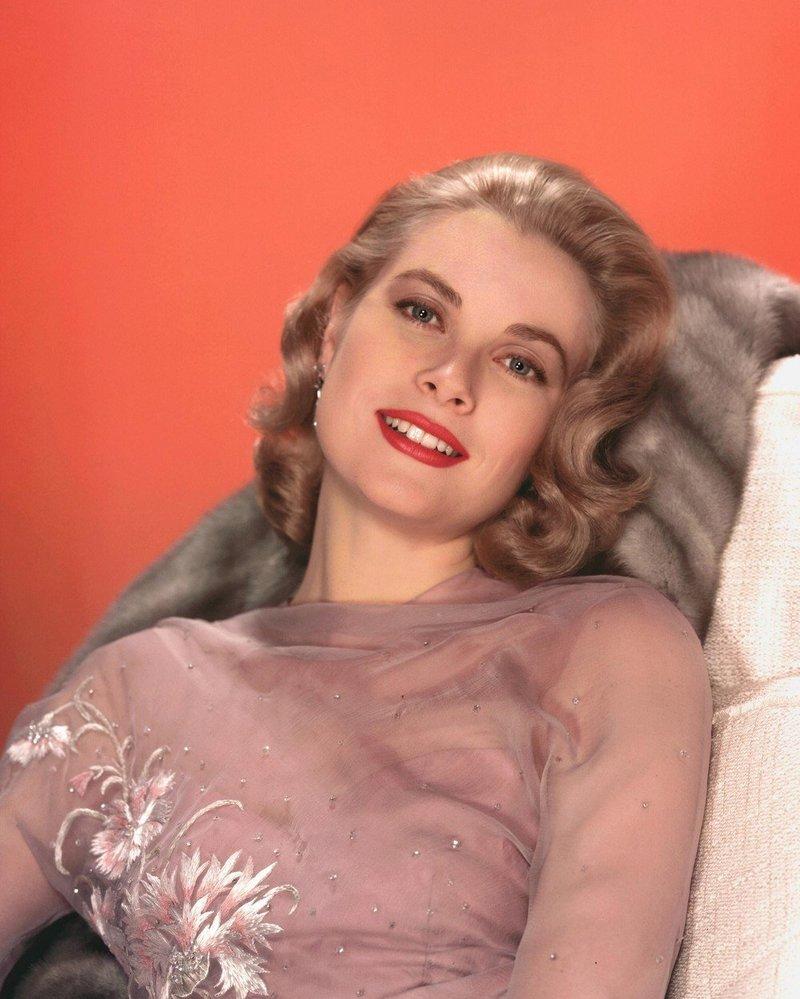 Byla nejen krásná, ale i výborná herečka. Zbožňoval ji hlavně slavný Hitchock, zahrála si v jeho třech filmech.