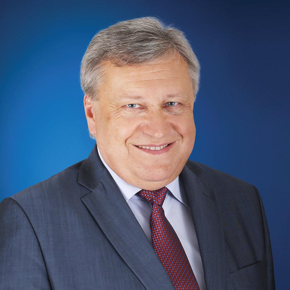 Vladislav Vilímec (ODS) - obvod Domažlice (č. 11): Vilímec byl poslanec v letech 2006 až 2013 a 2014 až 2017. Od roku 2000 je zastupitelem Plzeňského kraje. Je místostarosta Kdyně. Ve druhém kole porazil v jednom z nejtěsnějších soubojů Jana Látku z ČSSD. Získal 52,59 %.