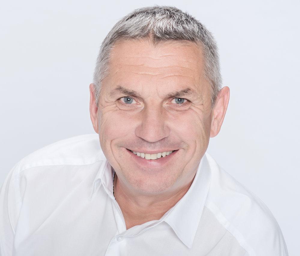 Jaroslav Zeman (ODS) - obvod Jablonec nad Nisou (č. 35): S 56,42 procenta hlasů porazil Michaelu Tejmlovou kandidující za uskupení Senátor 21. Zeman je starostou Albrechtic v Jizerských horách a ředitel společnosti Detoa Albrechtice.
