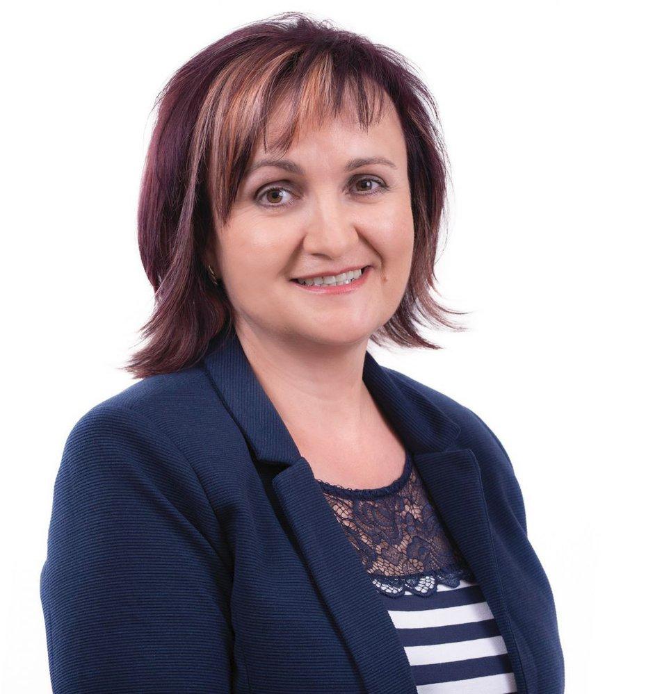 Hana Žáková (STAN) - obvod Třebíč (č. 53): Slavila velké vítězství s více než 77 procenty nad kandidátem ANO Miroslavem Michálkem. V letech 2004 až 2008 byla zastupitelkou Kraje Vysočina, od roku 2000 je starostkou Koněšína. Bývala členkou KDU-ČSL.