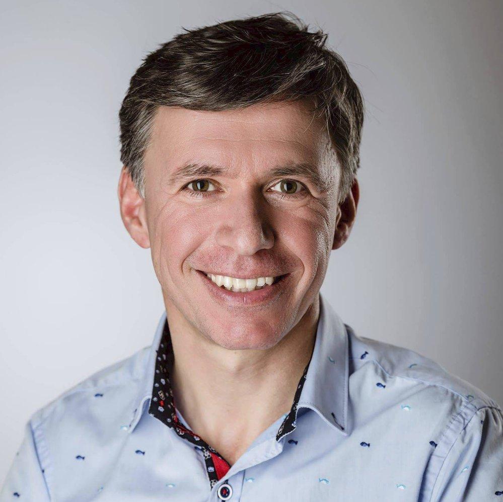 Patrik Kunčar (KDU-ČSL) - obvod Zlín (č. 80): Je geodet a starosta města Uherského Brodu. Ve druhém kole získal více než 60 procent, a porazil tak někdejšího člena ODS Libora Lukáše kandidujícího za Soukromníky.