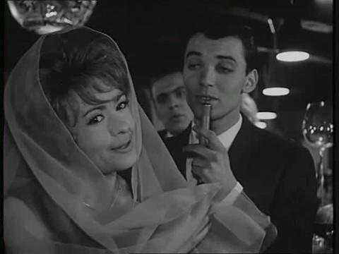 1964 Komedie s Klikou. Tehdy 33letá Jiřina a 25letý Karel.