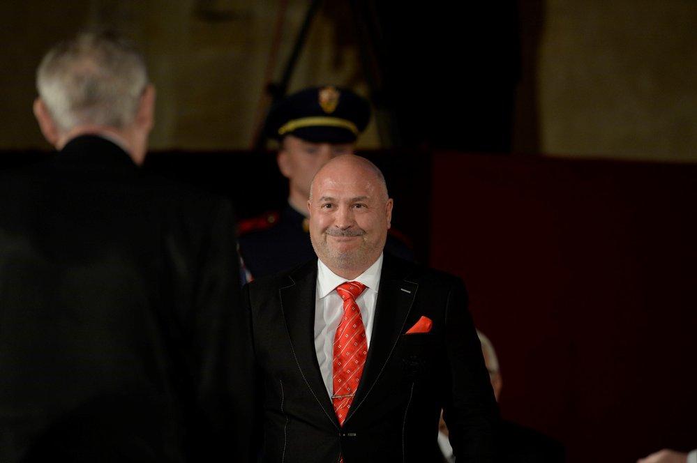 Michal David přebírá státní vyznamenání (28. 10. 2018)