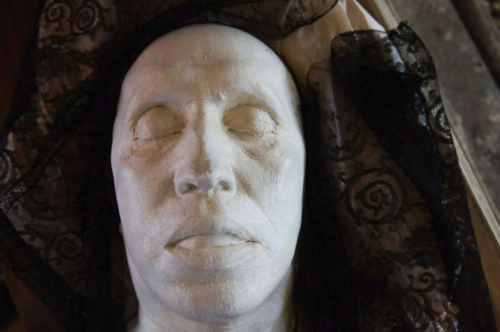Posmrtná maska Karla Čapka