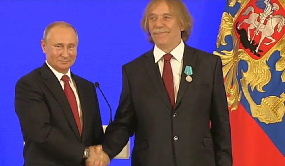 Ruský prezident Vladimir Putin a český písničkář Jaromír Nohavica