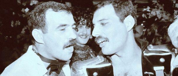 Freddie Mercury a jeho životní partner Jim Hutton