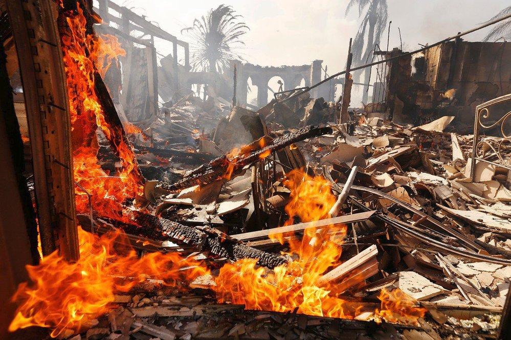 Ničivé požáry v Kalifornii