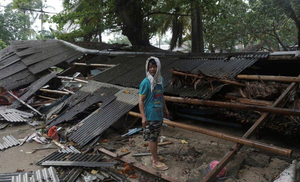 Počet mrtvých po zemětřesení v Indonésii rychle stoupal (23. 12. 2018)