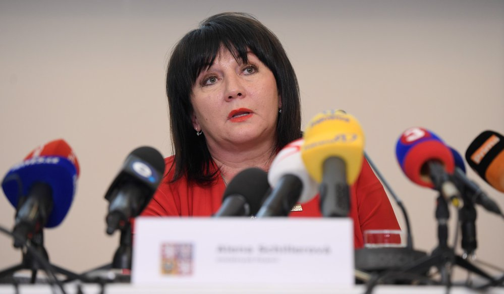Ministryně financí Alena Schillerová se chlubí mírně přebytkovým rozpočtem. Kdyby ale vláda neplýtvala v mimořádně dobrých časech, mohl být výsledek mnohonásobně lepší