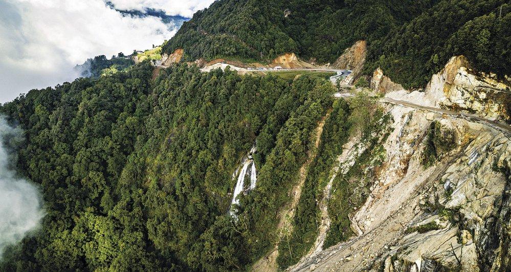 Cyklisté absolvují v závodě celkem 7500 metrů vertikálního stoupání